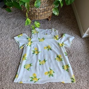 Cold shoulder lemon top